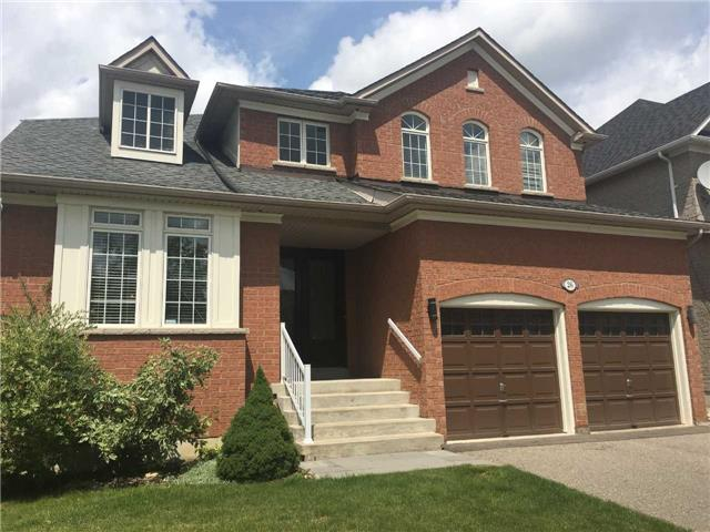 26 Wolf Trail Cres