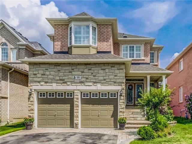 98 Barberry Cres