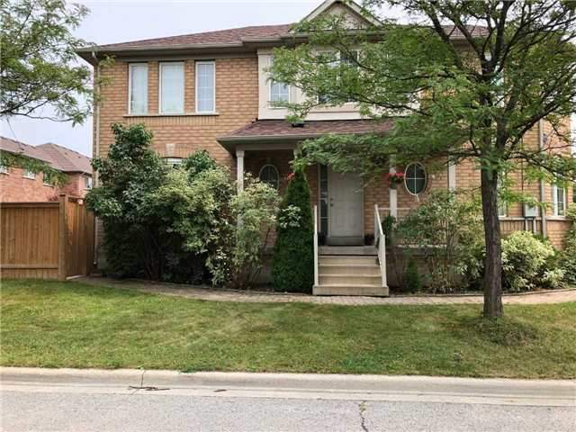 2 Waterton Cres