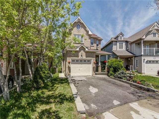 44 Carousel Cres