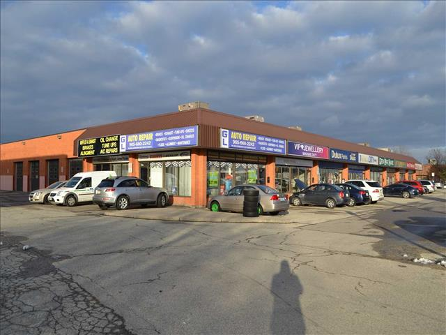 2050 Steeles Ave W