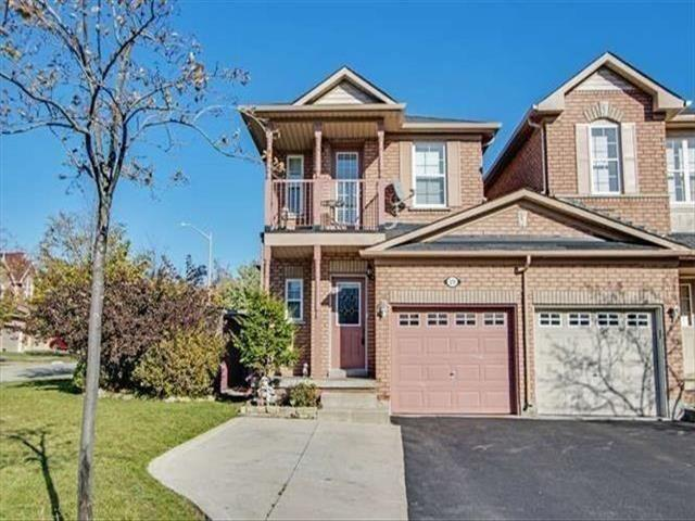 19 Carousel Cres